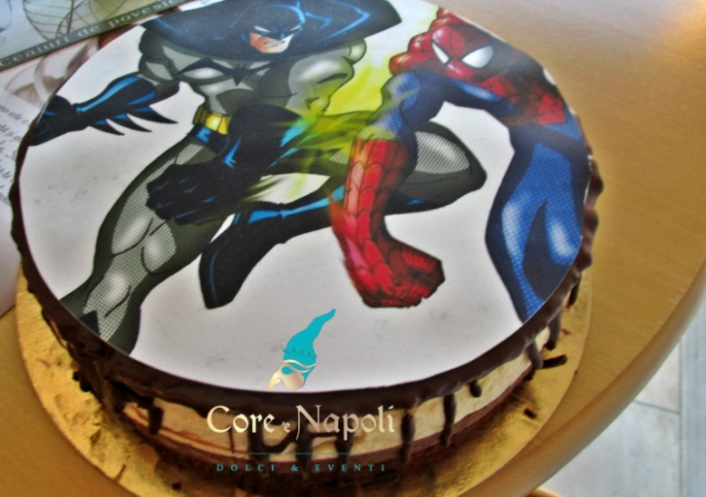 Tort spiderman si batman cu watermark